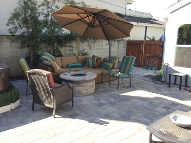 Cozy Backyard with Fire Pit (Woodland Hills)